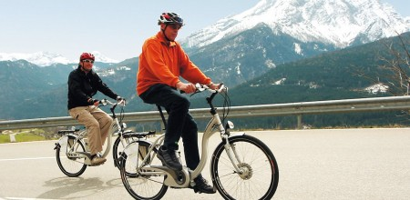 photo_velo_electrique_serieC_montagne_couple